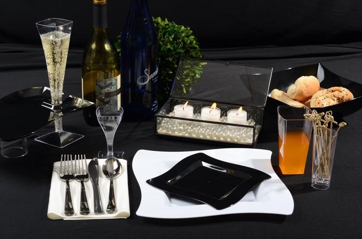 Одноразовая посуда для кейтеринга фуршетов, одноразовые фужеры для шампанского и бокалы для вина